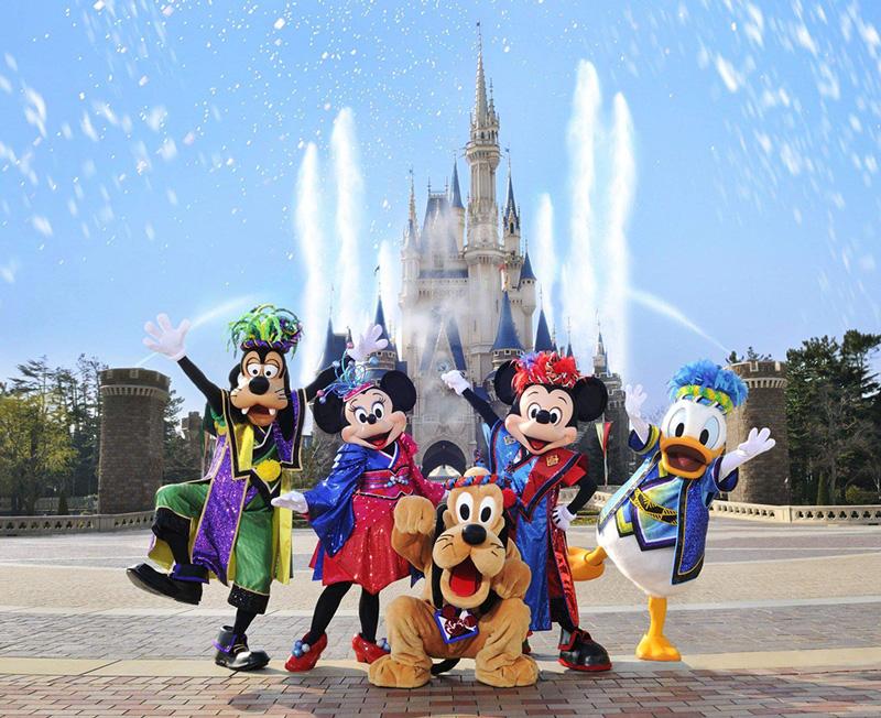 شهر بازی دیزنی لند (Disneyland)