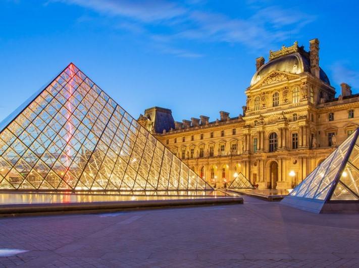 تور۷ شب و ۸ روز پاریس